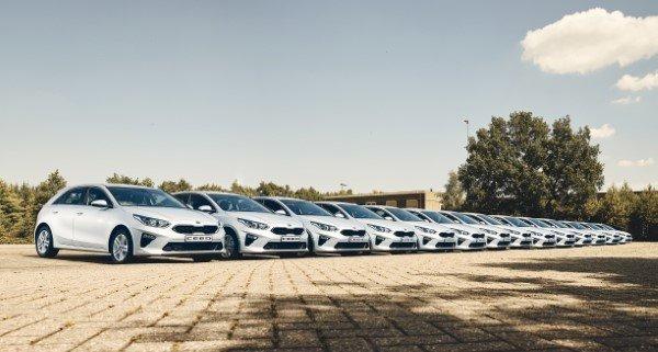 Kia-Motors-Nederland-BV-levert-nieuwe-Kia-Ceed-aan-het-Ministerie-van-Defensie.jpg
