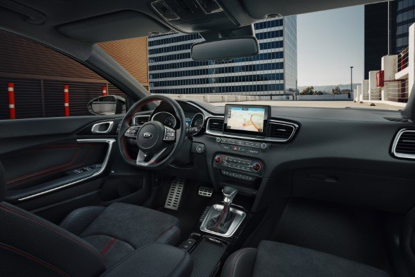 kia_pressrelease_2018_PRESS-HIGHRES_ceedGT_interior_bg.jpg