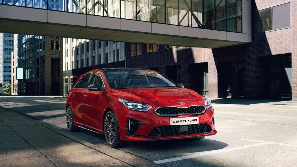 kia_pressrelease_2018_PRESS_1920x1080_ceedGTL_front.jpg