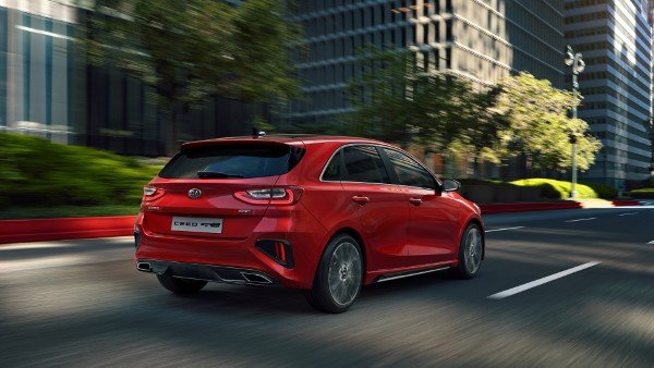 kia_pressrelease_2018_PRESS_1920x1080_ceedGTL_rear.jpg